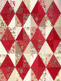 View our information site for much more involving this mind-blowing patchwork quilts Easy Quilts, Small Quilts, Colorful Quilts, Paper Piecing, Christmas Quilt Patterns, Christmas Quilting Projects, Christmas Crafts, Christmas Tables, Two Color Quilts