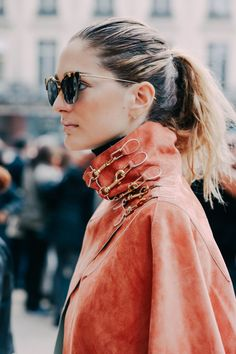 Street looks from Paris Fashion Week | Fashion, style, texture, details, hairstyle, sunglasses, outerwear #trendygirl