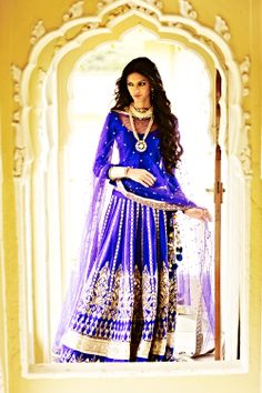 Anita Dongre blue lehenga inspired by the architecture of Hawa Mehal  for more visit www.stylettosbride.blogspot.com