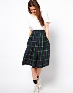 What I want to GET : ASOS Full Midi Skirt in Plaid Check <3 I'm obsessed with this skirt since I saw it on my favorite blogger Happily Grey! So stunning!
