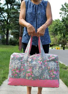 Create this beautiful Vera Bradley inspired carryon duffel bag for your next weekend getaway. Perfect sizing for overhead cabin in any airline.