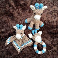 Knuffeldoekje,rammelaar en knuffel met lief giraffenkopje! Amigurumi