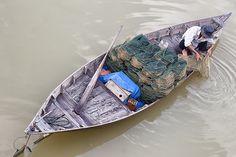 Laying traps        Laying traps on Thu Bon River Hoi An, Vietnam