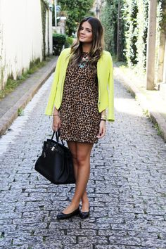 Yellow Coat - Thassia Naves