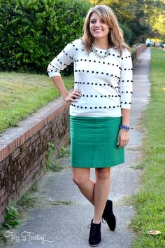 How to Dress for Early Fall http://www.extraordinarymommy.com/fashion-and-style/how-to-dress-for-early-fall/