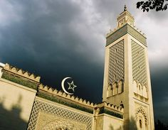 Mosques (or masjids for Arabic) are places of worship for followers of Islam. These places of worship for muslims around the world have existed for more than a millennia. With...