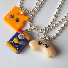 Bff Necklaces, Best Friend Necklaces, Best Friend Jewelry, Friendship Necklaces, Cute Polymer Clay, Polymer Clay Charms, Polymer Clay Jewelry, Bff Gifts, Best Friend Gifts