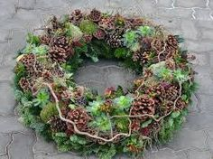 Most recent Images Funeral Flowers decoration Suggestions No matter whether you might be preparing or perhaps participating in, memorials are normally some sort of sorr. Funeral Flower Arrangements, Funeral Flowers, Floral Arrangements, Christmas Flower Decorations, Christmas Wreaths, Flowers Decoration, Christmas Tree, Burlap Wreath Tutorial, Wreaths