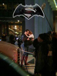 Omg look how lois holds onto him..i ship em omg. Batman v Superman Man of Steel Henry Cavill Amy Adams Clark kent lois lane