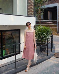 New fashion korean style sunglasses ideas Korea Fashion, Korean Fashion Trends, Asian Fashion, Daily Fashion, Trendy Fashion, Trendy Style, Fashion Model Poses, Fashion Models, Korea Dress