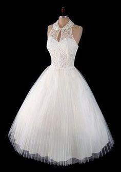 Short and Tea Length Wedding Dresses : Vintage Lace Dress Pretty Outfits, Pretty Dresses, Beautiful Outfits, Pretty Clothes, Vintage Outfits, Vintage Fashion, Vintage 1950s Dresses, Vintage Clothing, 1950s Fashion