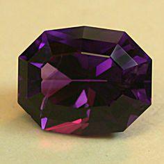 VINTAGE Purple Siberian AMETHYST Faceted Fancy OVAL Gemstone 6.38 cts fg104. $191.50, via Etsy.