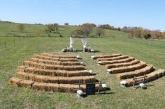 Good layout for hay bales. This set up, counting 2 people to a bale, looks like it would seat around 200. - TOBIAS.