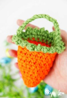 Darling little crochet carrot basket filled with chocolate eggs will be the hit at your Easter celebrations. Fun way to share a few treats. Crochet Cap, Crochet Hook Sizes, Cute Crochet, Crochet Crafts, Crochet Toys, Crochet Projects, Easter Crochet Patterns, Crochet Basket Pattern, Crochet Dragon