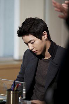 Song Joong Ki as Kang Ma Ru [27]