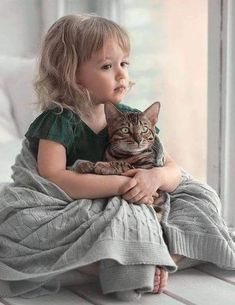 Cats and kittens Animals For Kids, Animals And Pets, Baby Animals, Cute Animals, Precious Children, Beautiful Children, I Love Cats, Crazy Cats, Cat People