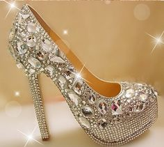 Gorgeous Fashion Silver High Heels Crystal Wedding Shoes Lady Glitter Bridal  Dress Shoes Graduation Party Prom Shoes e32e6ca08361