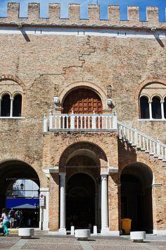 Treviso Travel Guide | meltingbutter.com_Queenie Chan_Piazza dei Signori