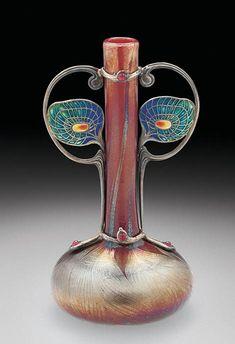Les vitraux de Tiffany - L'actualité Tiffany Glass, Tiffany Art, Belle Epoque, Antique Glass, Antique Art, Vintage Art, Louis Comfort Tiffany, Sgraffito, Design Art Nouveau