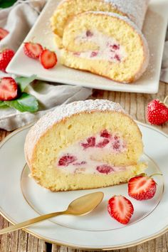 Simple strawberry roulade - strawberry roll - recipe - Sweets & Lifestyle® - Strawberry roulade recipe The simple strawberry roulade (strawberry roll) with whipped cream and cu - Strawberry Roll Recipe, Strawberry Sweets, Easy Cake Recipes, Dessert Recipes, Roulade Recipe, German Baking, Le Diner, Rolls Recipe, Food Cakes