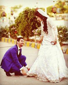 Wedding Ideas You Should Be Aware Of – Art Emira Wedding Wedding Couple Photos, Indian Wedding Photos, Indian Wedding Photography, Wedding Pics, Wedding Couples, Cute Couples, Couple Pictures, Beautiful Couple, Beautiful Bride
