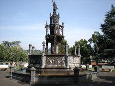 Clermont Ferrand, Rouen, Le Palais, Empire State Building, San Francisco Ferry, Statue Of Liberty, Country, Amboise, Sculpture