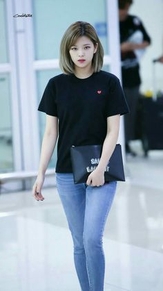 This Is How TWICE Jeongyeon Looks In Real Life! - KPop News TWICE Jeongyeon is looking absolutely stunning in real life, check out the photos attached below, love Jeongyeon? Kpop Girl Groups, Korean Girl Groups, Kpop Girls, Korean Fashion Trends, Kpop Fashion, Korean Airport Fashion, Nayeon, Kpop Outfits, Casual Outfits