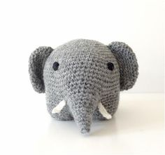 Sød hæklet elefant