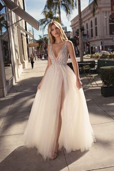 MUSE by Berta Spring 2019 Collection.theweddingnot… MUSE by Berta Spring 2019 Collection. Dresses Elegant, Cute Dresses, Beautiful Dresses, Prom Dresses, Beaded Prom Dress, Beautiful Gorgeous, Pageant Dresses, Bridal Collection, Dress Collection