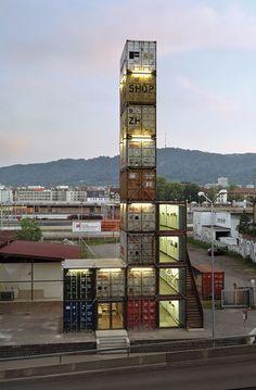 Unusual store made from 17 containers http://rodrigobarba.com/blog/2012/02/01/freitag-uma-loja-com-17-conteineres/