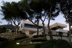 Family House in Marbella by A-cero - notice the recessed lighting strips!