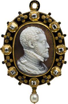 Gold, laminated agate, diamond, pearl, enamel Felipe II cameo pendant, Italy,