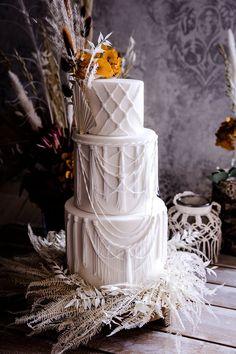 Boho meets Country Hochzeit mit rustikalem Charme - Hochzeitskiste #boho #hochzeit #hochzeitstorte Naked Cakes, Children, Rustic Charm, Crate, Kids, Child, Babys, Babies