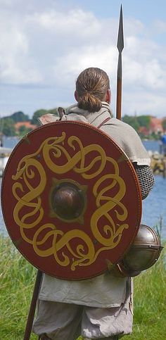 Nice Shield Design... The size of viking shields, were individually matched to the warriors size, arm length, and... most important... to the length of their sword, or axe.Viking shields were, after all, offensive combination weapons, and not merely defensive!