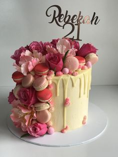 Fresh and fantasy flowers with macaroons on a drip cake. Rose gold topper Fresh and fantasy flowers with macaroons on a drip cake. Rose gold topper No related posts. Cakes To Make, Fancy Cakes, How To Make Cake, Birthday Cake Roses, 21st Birthday Cakes, Pretty Cakes, Cute Cakes, Macaroons, Macaroon Cake
