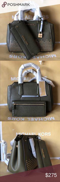 🌴Michael Kors Set🌴 100% Authentic Michael Kors Purse Crossbody and Wallet 42b894ff356a7