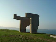 Eduardo Chillida Modern Art, Contemporary Art, Art Abstrait, Prehistoric, Cairo, Garden Sculpture, Sculpting, Spain, Architecture