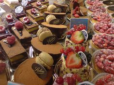 Patisserie Stohrer on rue Montorgueil - Yes, there are places like this ALL over France! Yay!! (CW5-3)