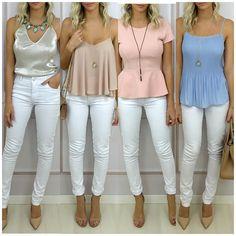 A calça branca é um clássico atemporal e fica bem com tudo. É uma peça que tem que ter em seu guarda-roupa.   Todas peças disponíveis para compra no site http://ift.tt/PYA077.