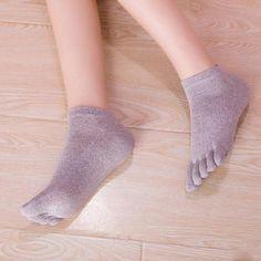 2017 New Arrival Funny Socks Women Five Toe Cotton Socks Pure Trainer Finger calcetines mujer 6 Colors Winter Socks, Warm Socks, Sexy Socks, Cute Socks, Sock Shop, Happy Socks, Cotton Socks, Stylish, Womens Fashion
