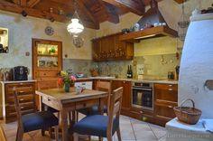 Parasztház újrahangolva | Házból Otthont Cottage Homes, Sweet Home, Table, Furniture, Home Decor, Rabbit, Lady, Google, Ideas