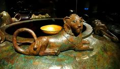 Kelten » celts - hochdorf bronze container, greek lion, detail Bern,Switzelrland Museum History Celtic