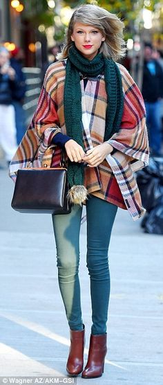 Taylor Swift ⚡️⛅️⚡️ chic & comfy for chilly days