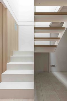 Image 5 of 16 from gallery of Surry Hills House / Benn & Penna Architecture. Photograph by Tom Ferguson Interior Staircase, Staircase Design, Staircase Landing, Spiral Staircase, Residential Architecture, Interior Architecture, Interior Design, Stair Detail, Stair Handrail