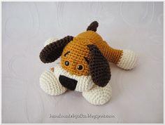 Patrón amigurumi gratis de perro precioso.Espero que os guste tanto como a mi! Visto en la red y colgado en mi pagina de facebook: Os pongo también su foto para que veáis como queda: