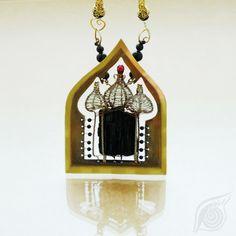 necklace Temple; brass, turmaline, onyx, garnet; patinated; by Nady (http://www.nady.cz/nahrdelniky/chram-nahrdenik-231/)