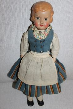 Finnish Martha doll in national dress of Munsala - marttanukke Munsalan puvussa… History Of Finland, Old Dolls, Dollhouse Dolls, Dollhouses, Old And New, Baby Dolls, Ethnic, Costumes, Vintage