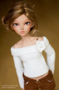 Savannah is my Fairyland Minifee Chloe in tan. #doll