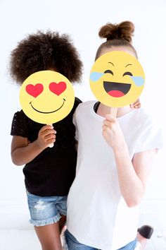 FREE Emoji Party Photo Booth Props