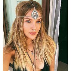Instagram media loirasland - S t y l e  I n s p i r a t i o n ✨ #loirasland #inspo #styleinspiration #boho #bohostyle #style #selfie #fashion #look #bohochic #headband #fashionista #cool
